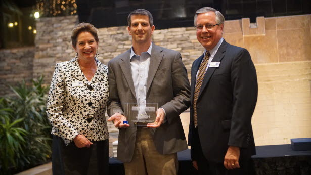 Mike Shirk Accepts United Way Live United Award